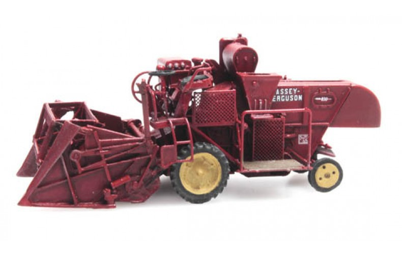 387337 Massey Ferguson MF830 Combine Harvester (HO scale 1/87th)